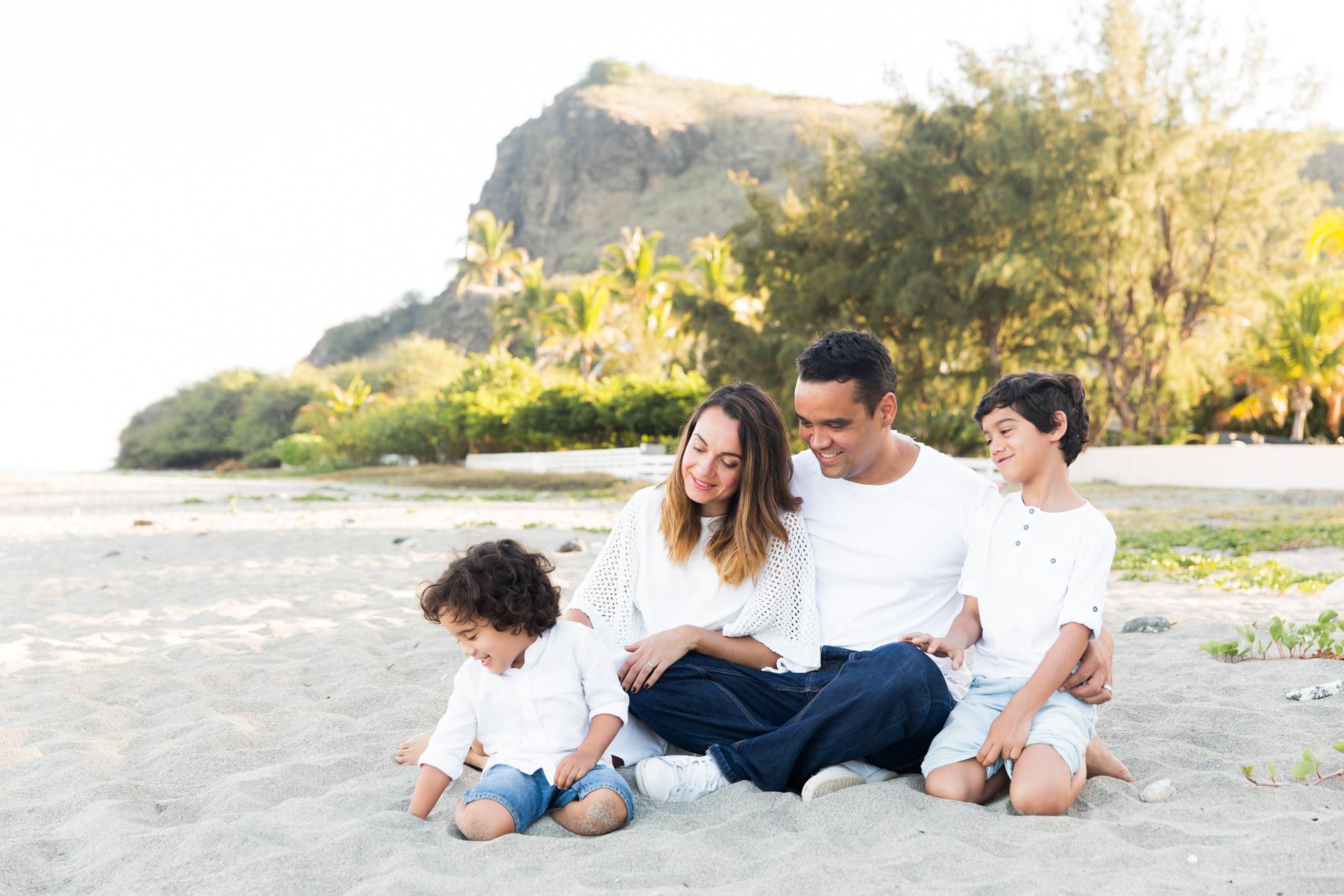 photographe-iledelareunion-974-saintgilles-saintpaul-saintdenis-famille-enfant-plage