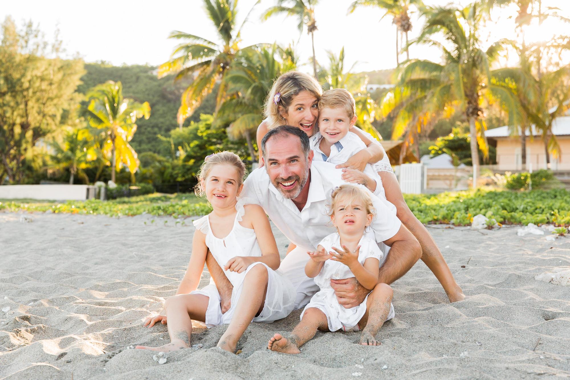 famille-enfant-plage-shooting-seancephoto-photographe-reunion-saintgilles-saintpaul-lifestyle
