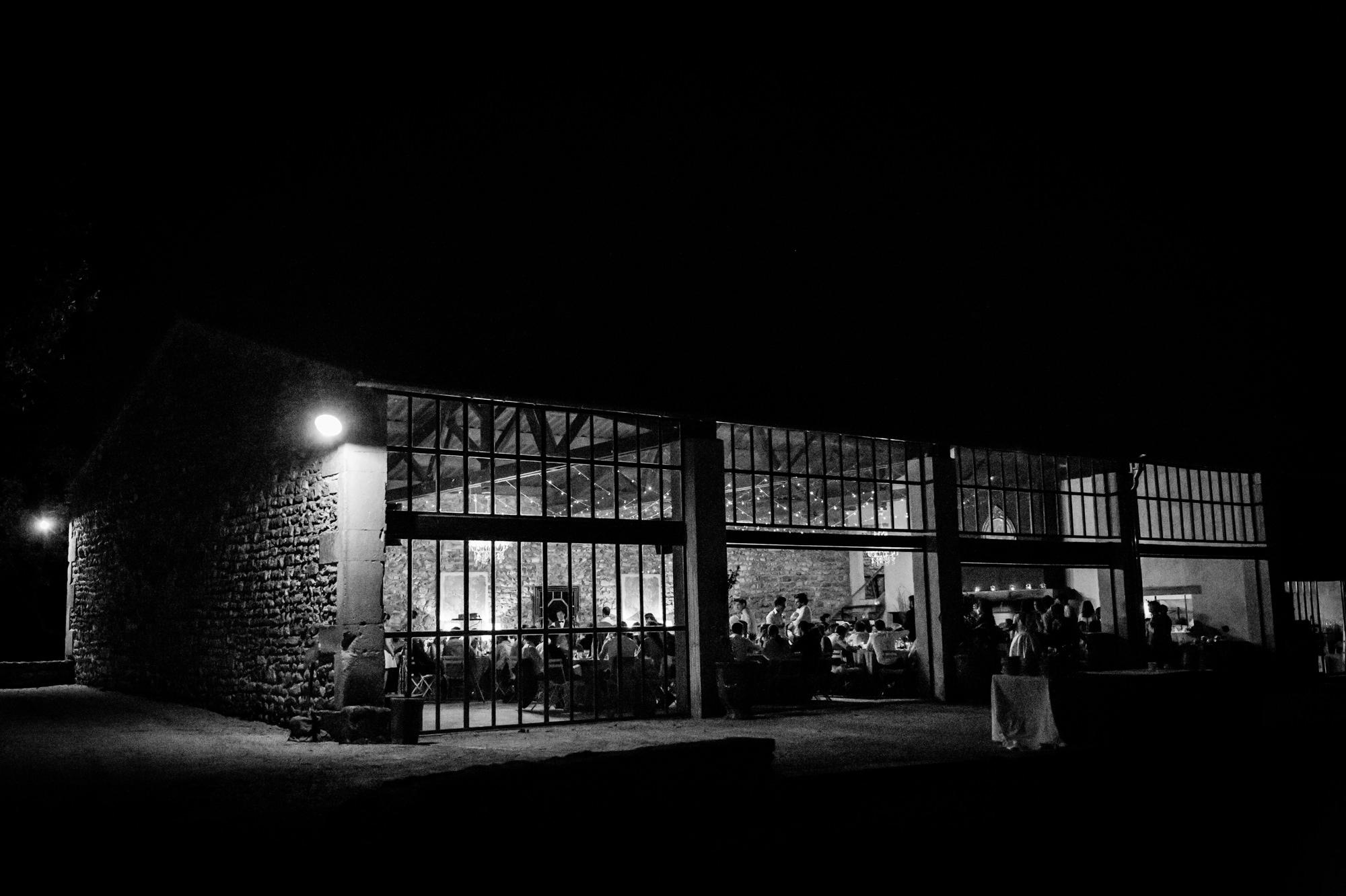 Les Domaines de Patras de nuit